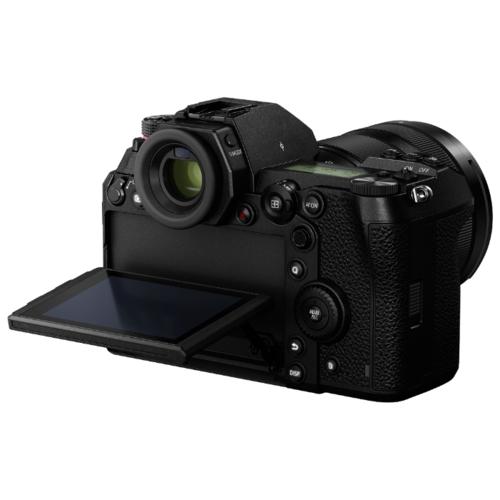 Фотоаппарат Panasonic Lumix DC-S1M Kit
