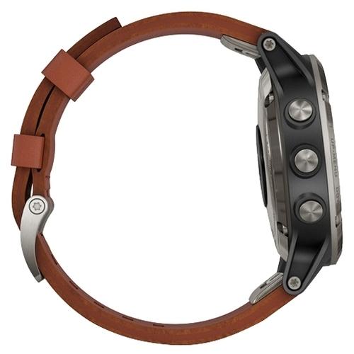 Часы Garmin D2 Delta с кожаным ремешком