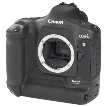 Фотоаппарат Canon EOS 1D Mark II Body