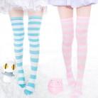 121.47 руб. 10% СКИДКА|1 пара, новые женские длинные полосатые носки выше колена, 7 цветов, милые теплые носки, оптовая продажа купить на AliExpress