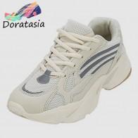 2667.28 руб. |DORATASIA/горячая распродажа; кроссовки на толстой платформе; большие размеры 35 44; обувь для папы; женская дышащая Весенняя повседневная обувь-in Женская обувь без каблука from Туфли on Aliexpress.com | Alibaba Group