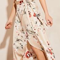 Атласная юбка на запах с цветочным принтом