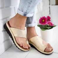 698.38 руб. 45% СКИДКА|Женская обувь из искусственной кожи Удобные женские повседневные мягкие сандалии на плоской платформе с большим носком ортопедический корректор купить на AliExpress