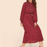 Платье-рубашка в горошек с оборками и поясом