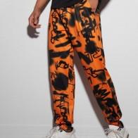 Мужские спортивные брюки на кулиске с принтом - Мужские образы на Хэллоуин