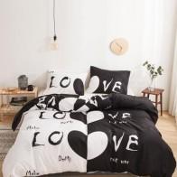 Комплект постельного белья с текстовым принтом