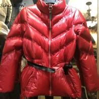 2681.82 руб. 40% СКИДКА|2018 женский пуховик Тонкий Пальто Верхняя одежда Регулируемая Талия белый утиный пух модная одежда красный наивысшего качества купить на AliExpress