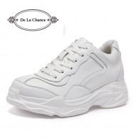 2033.76 руб. 40% СКИДКА|De La Chance/2018 женская обувь на весну лето, женская обувь на плоской подошве в стиле Харадзюку, на шнуровке, Повседневная модная женская обувь на толстой резиновой подошве, обувь на платформе белого цвета купить на AliExpress