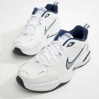 Белые кроссовки Nike Air Monarch 415445-102