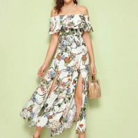 Платье с открытыми плечами, ботаническим принтом и поясом