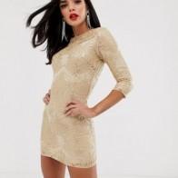 Платье мини с узором в стиле барокко золотистого цвета и отделкой пайетками TFNC
