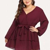 Размера плюс платье с поясом и запахом