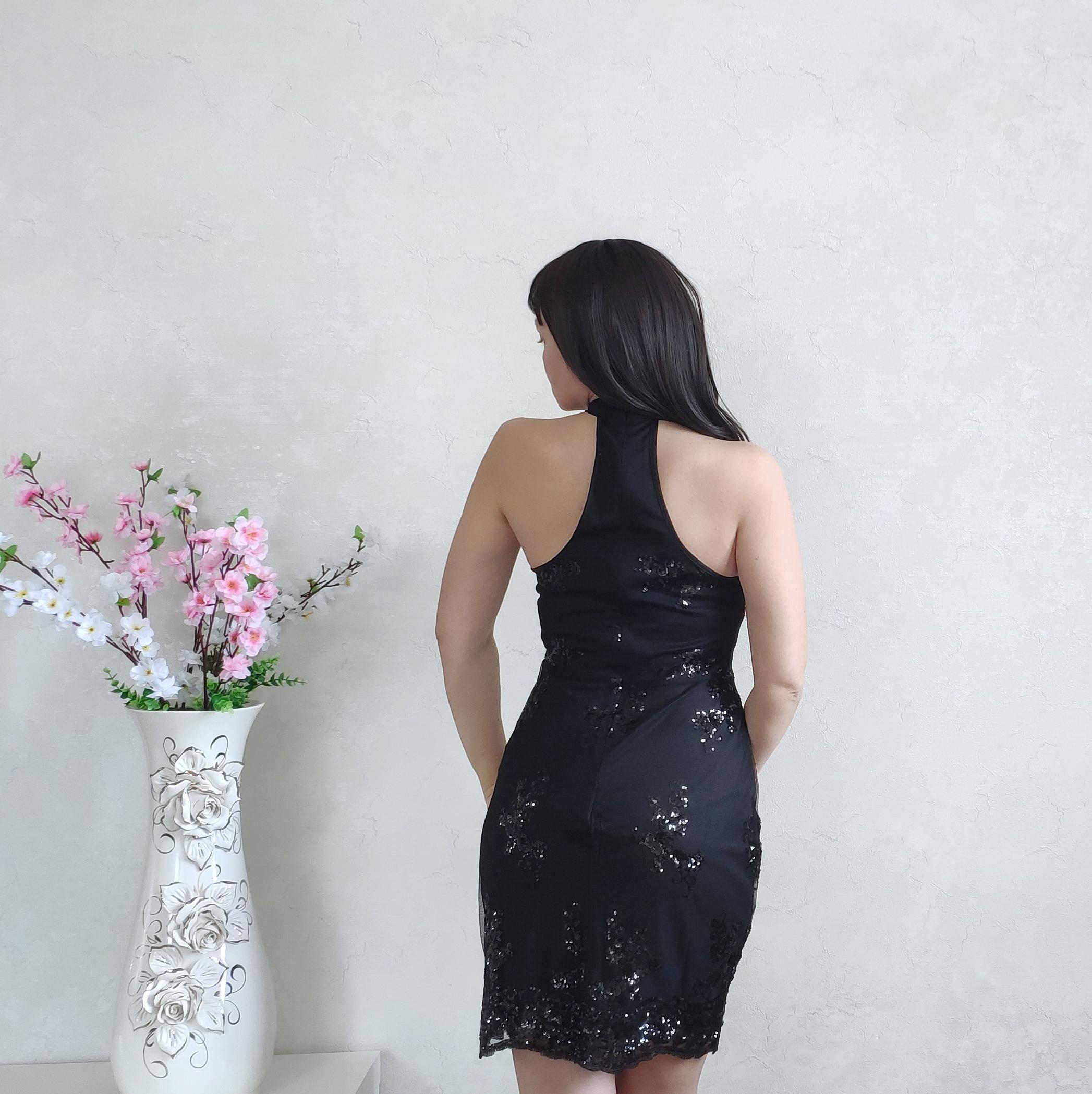 Очаровательное платье для особых случаев
