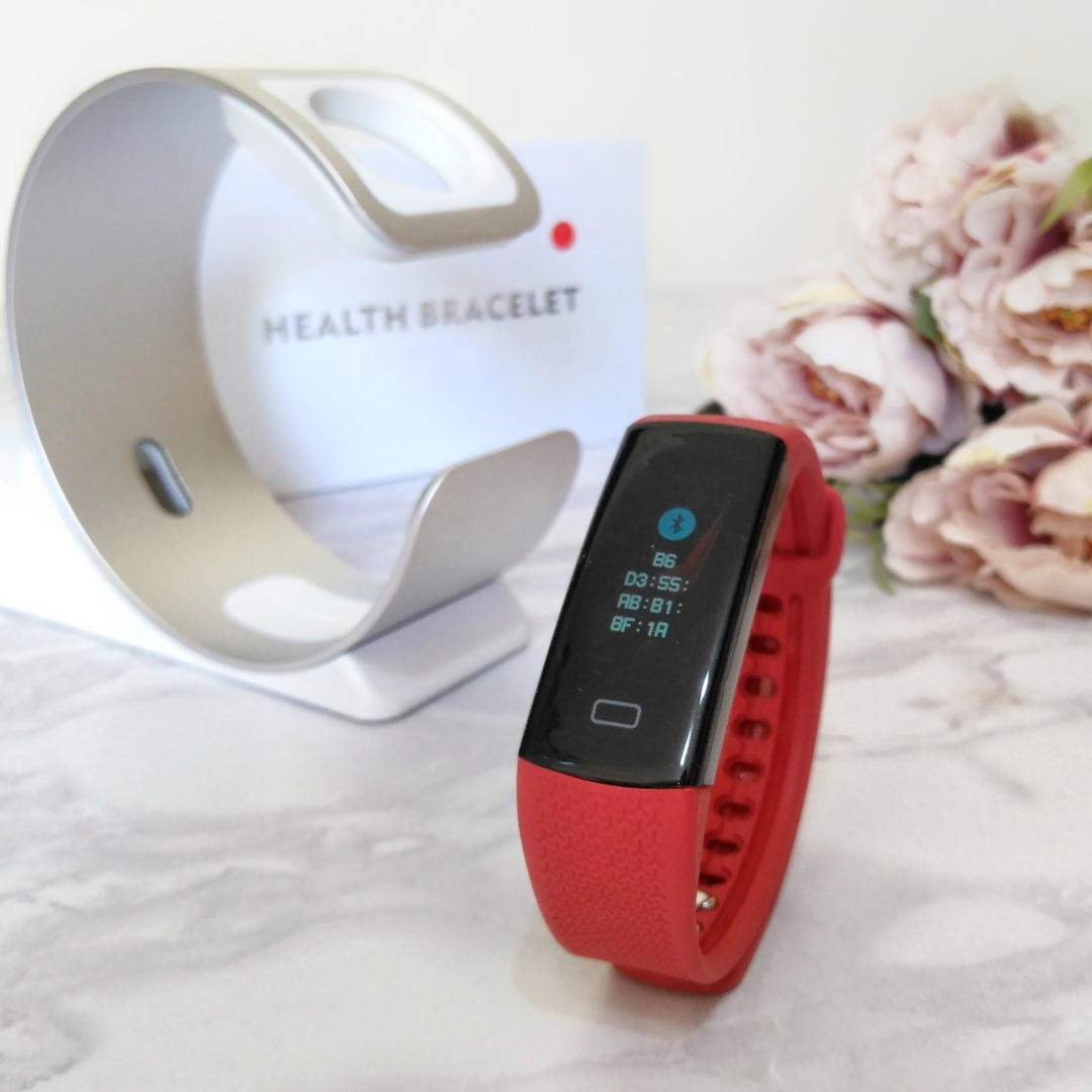 Фитнес-браслет с цветным дисплеем от бренда BINYEAE для людей, ведущих активный образ жизни.