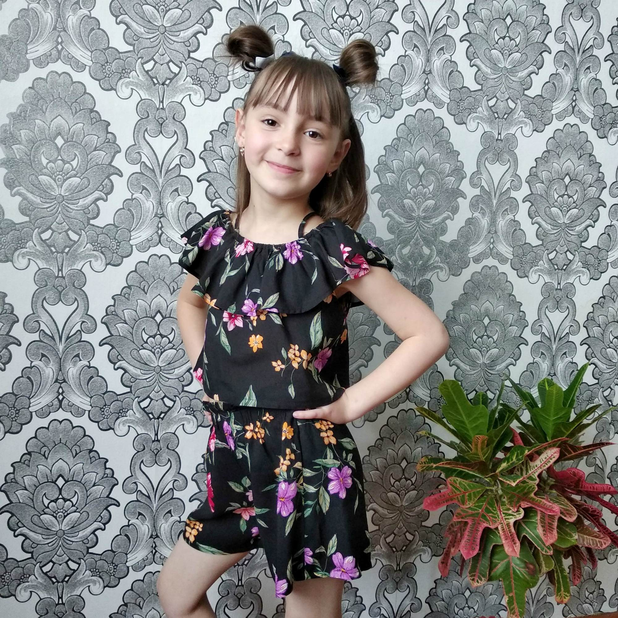 Шикарный летний комплект для девочек от бренда SheIn KIDDIE