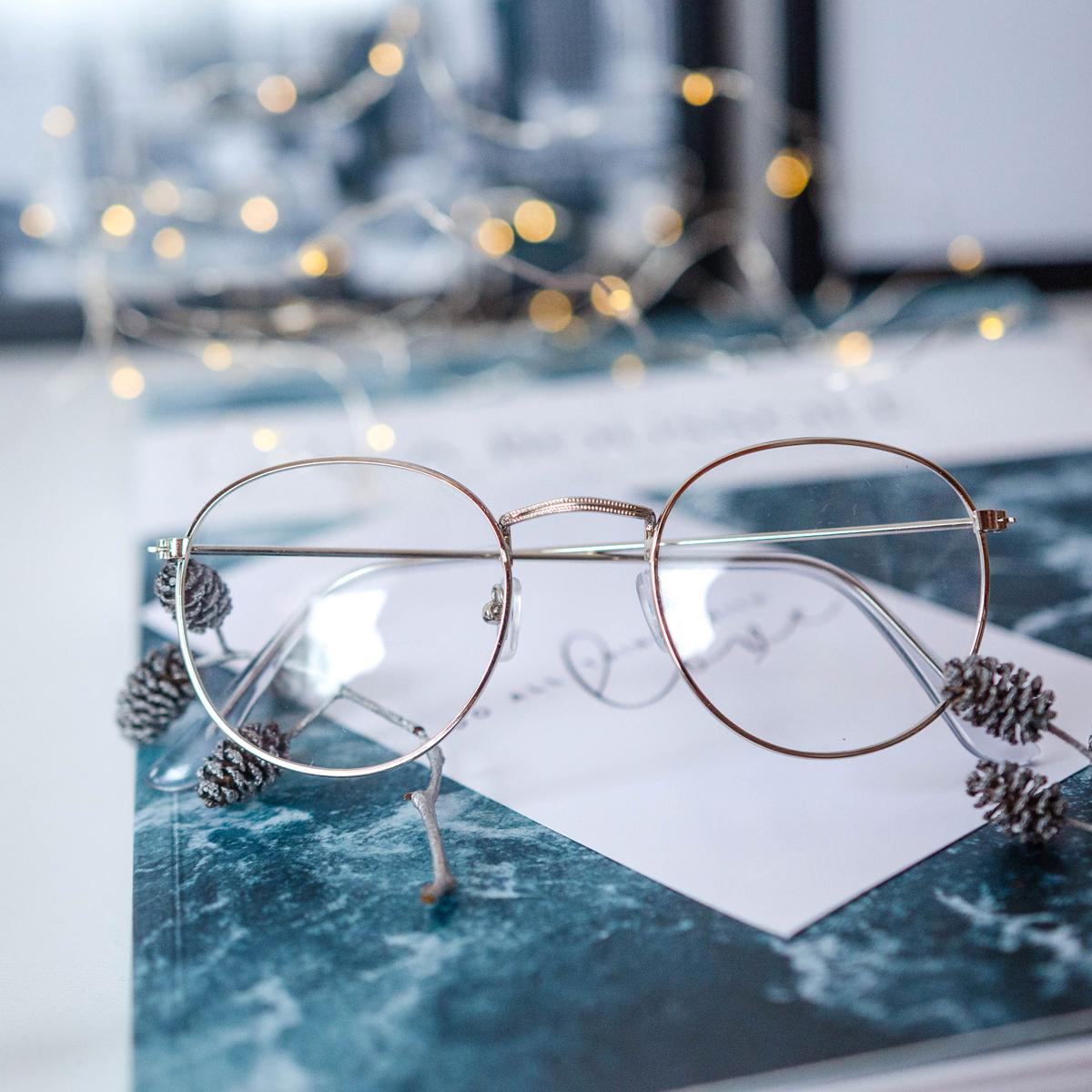 Имиджевые очки В серебристой оправе