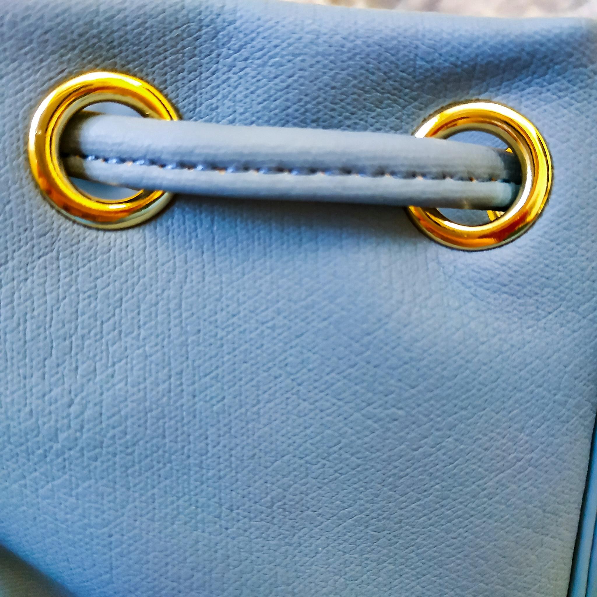 Стильная сумочка серо-голубого цвета. Качество - бомба!