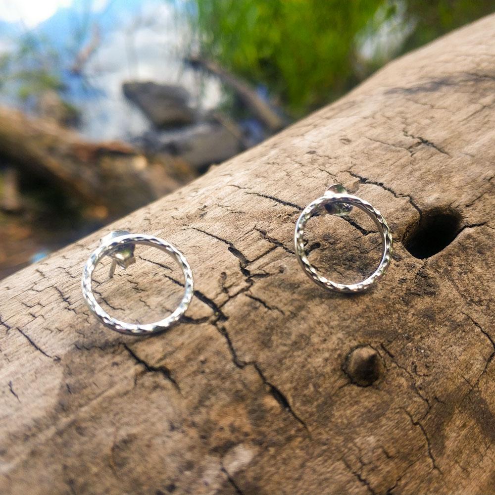 Минималистичные серебряные серьги