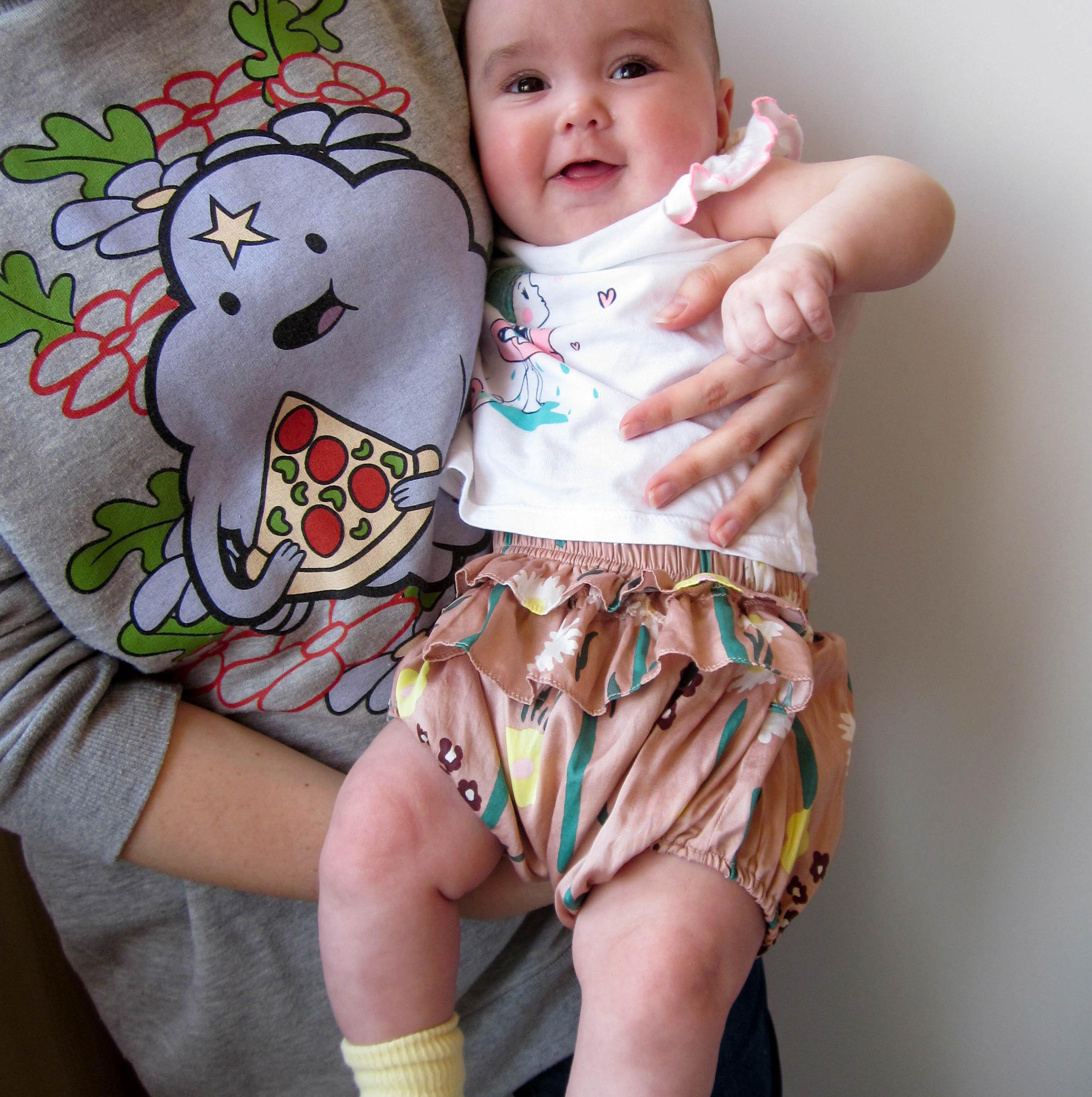 Нарядные шорты на малышку