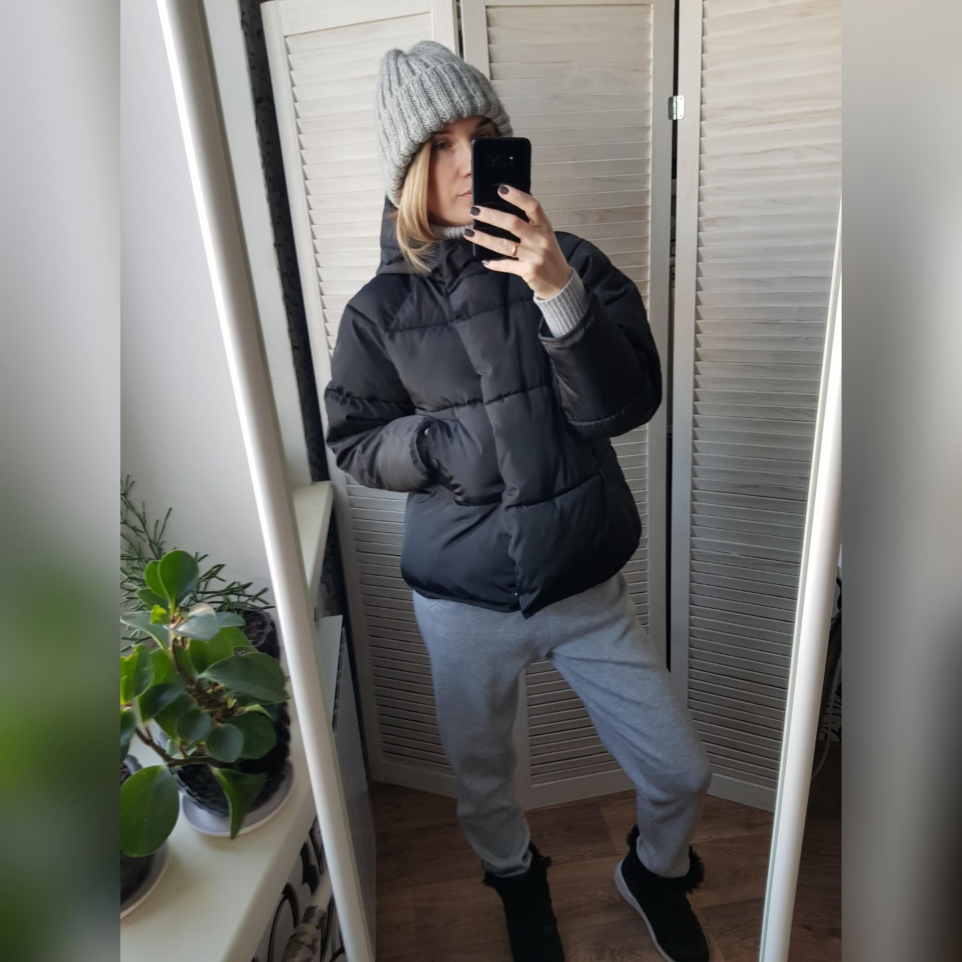 Черная дутая курточка