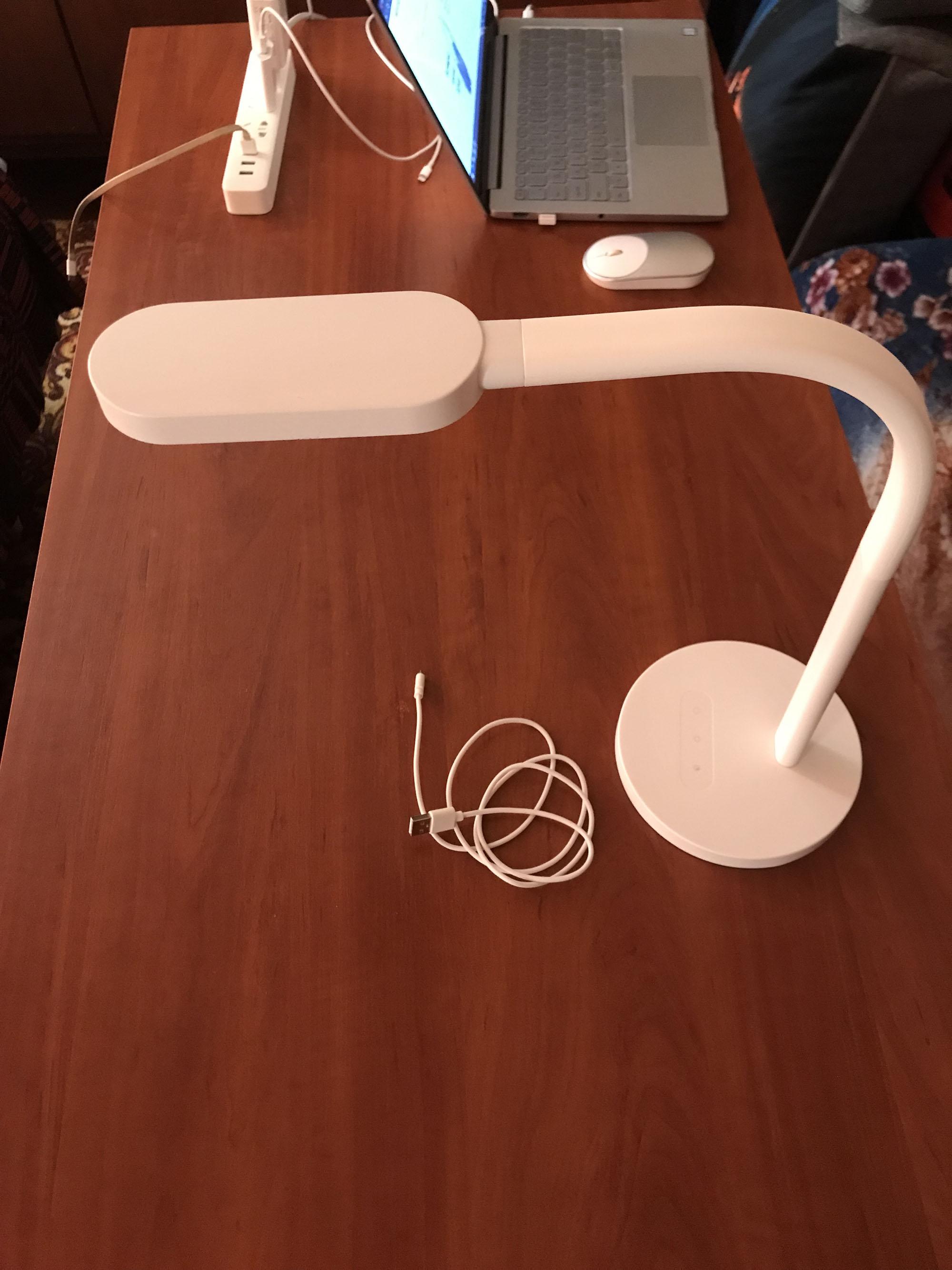 Настольная лампа Xiaomi YeeLight Desk Lamp - отзывы