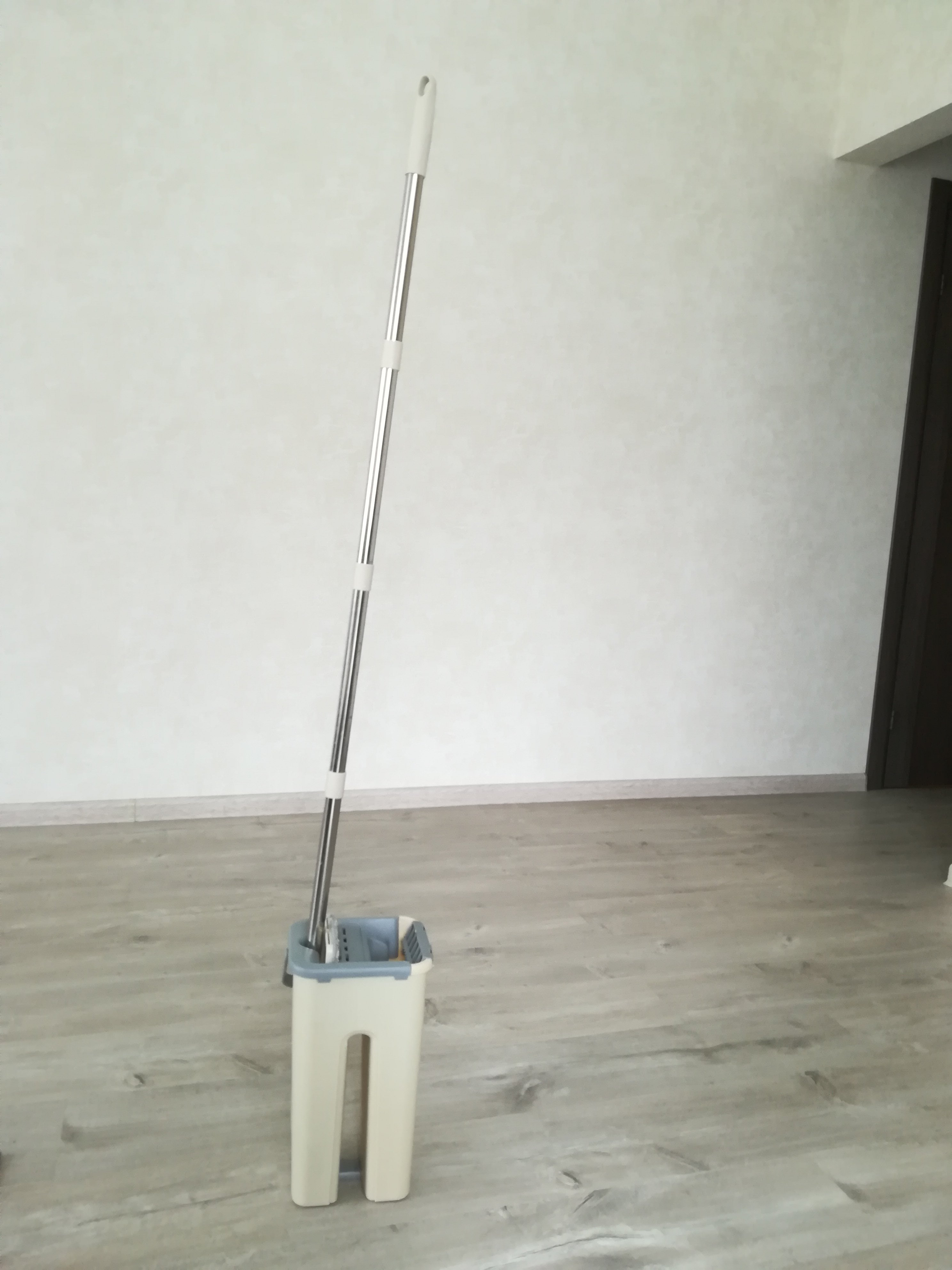 Швабра DARIS с отжимом Flat Squeeze Mop - фото