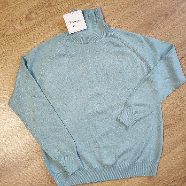 Очень комфортный красивый свитер на осень-зиму - фото