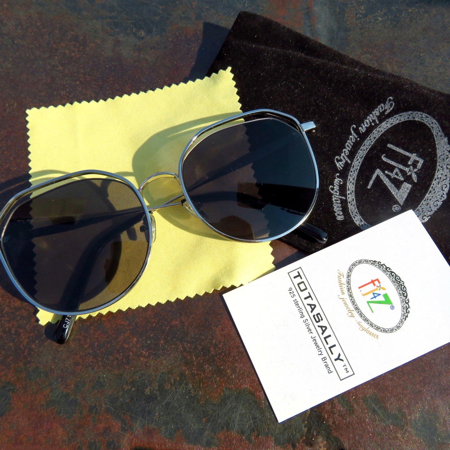 Классные солнцезащитные очки с защитой UV400 - купить
