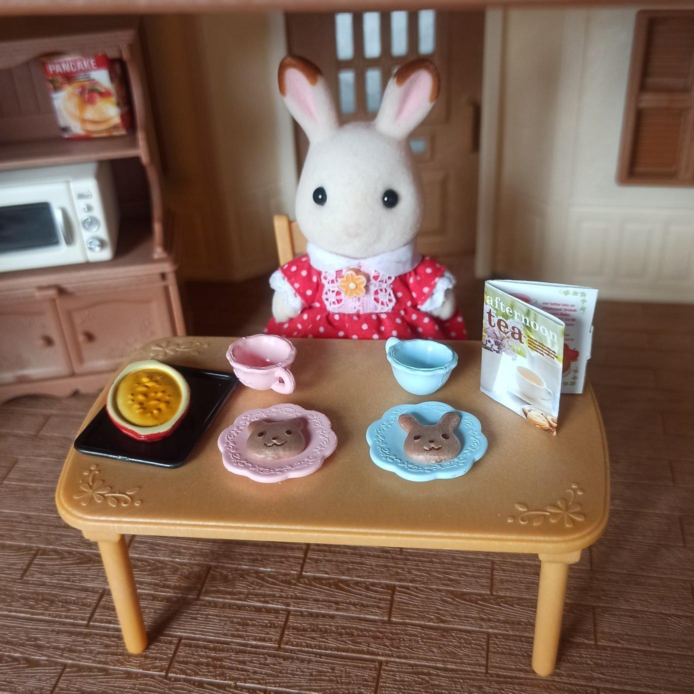 Комплект принадлежностей для кухни и мебели для игрового набора Sylvanian Families. - инструкция