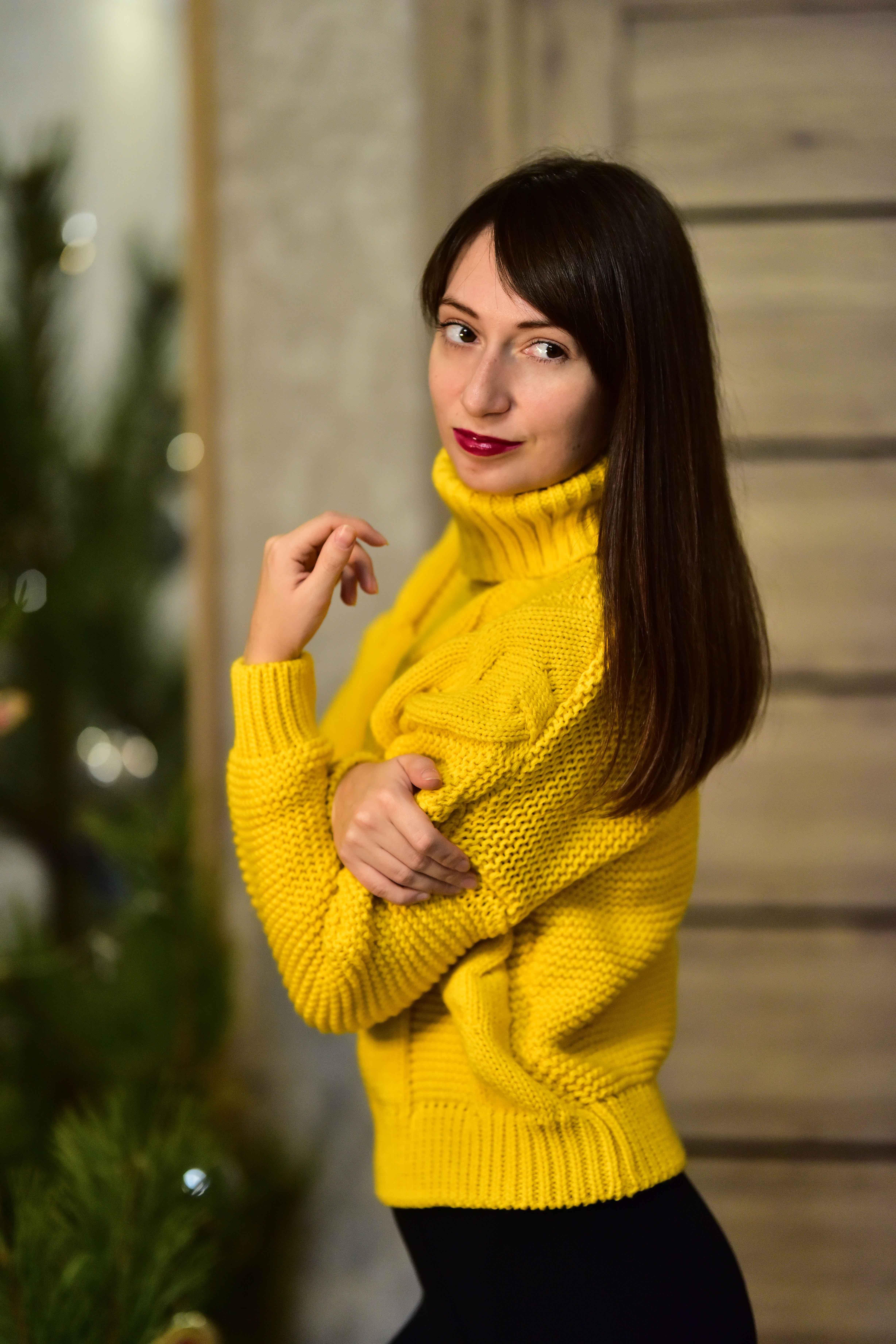 Тёплый жёлтый свитер от Tomorrow Store - цена