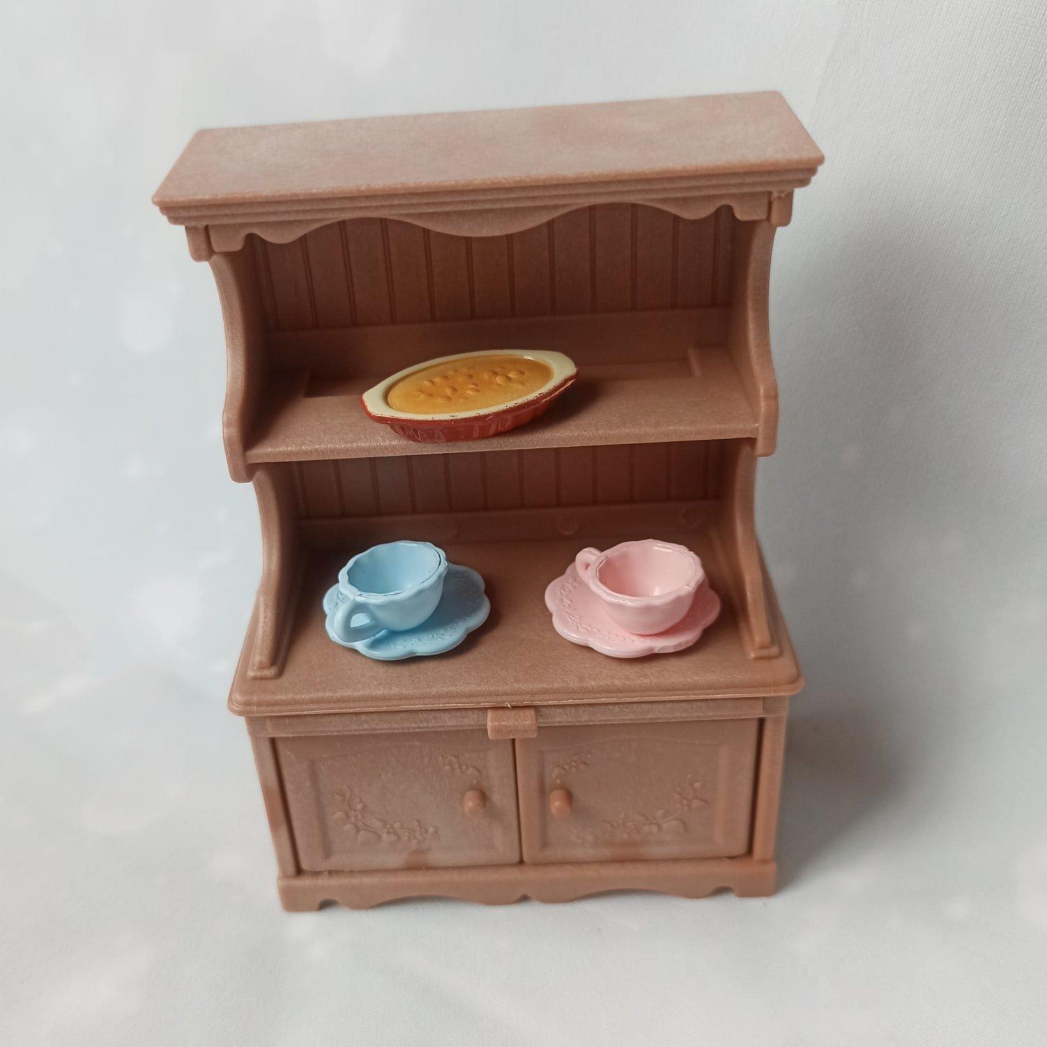 Комплект принадлежностей для кухни и мебели для игрового набора Sylvanian Families. - цена