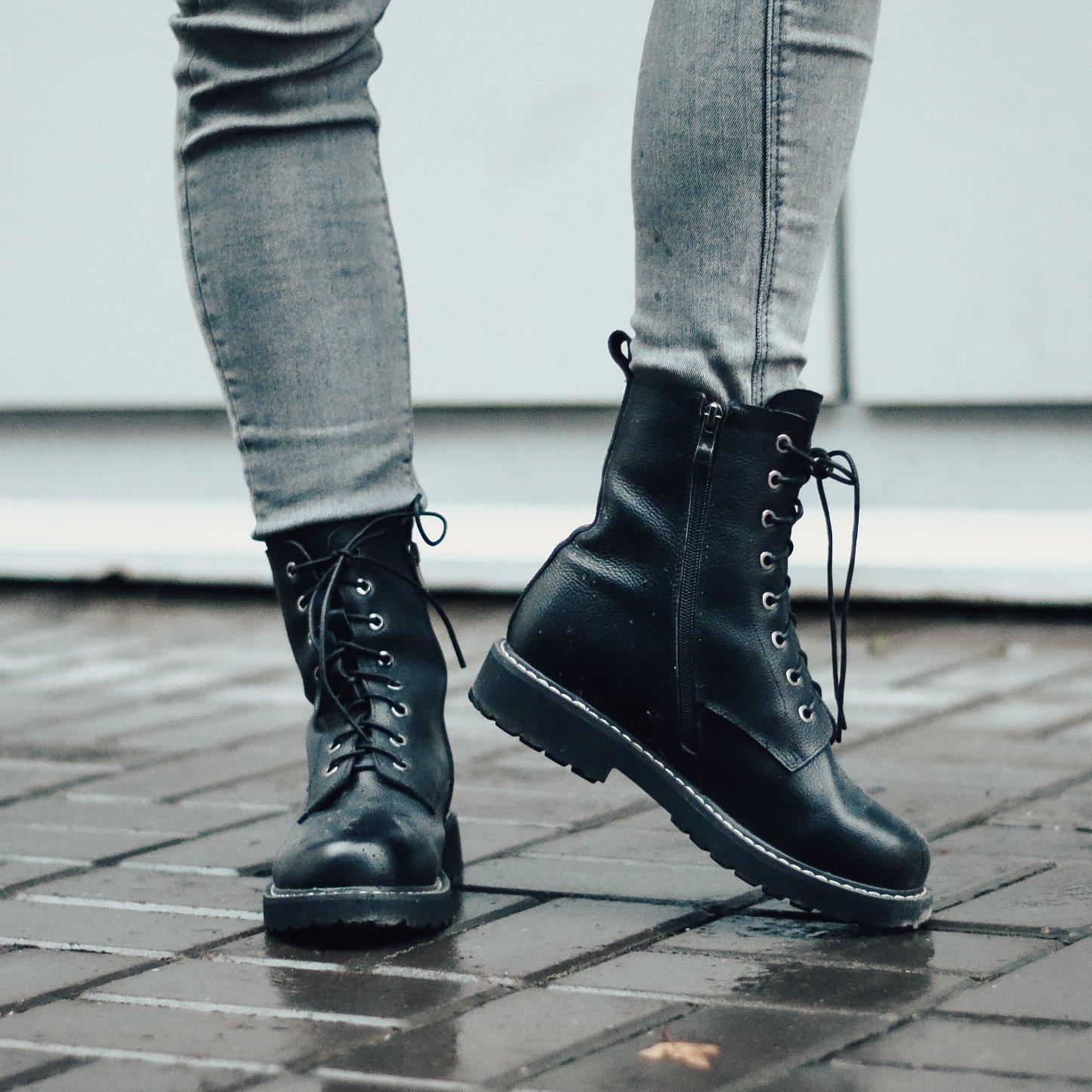 Ботинки из натуральной кожи - фото