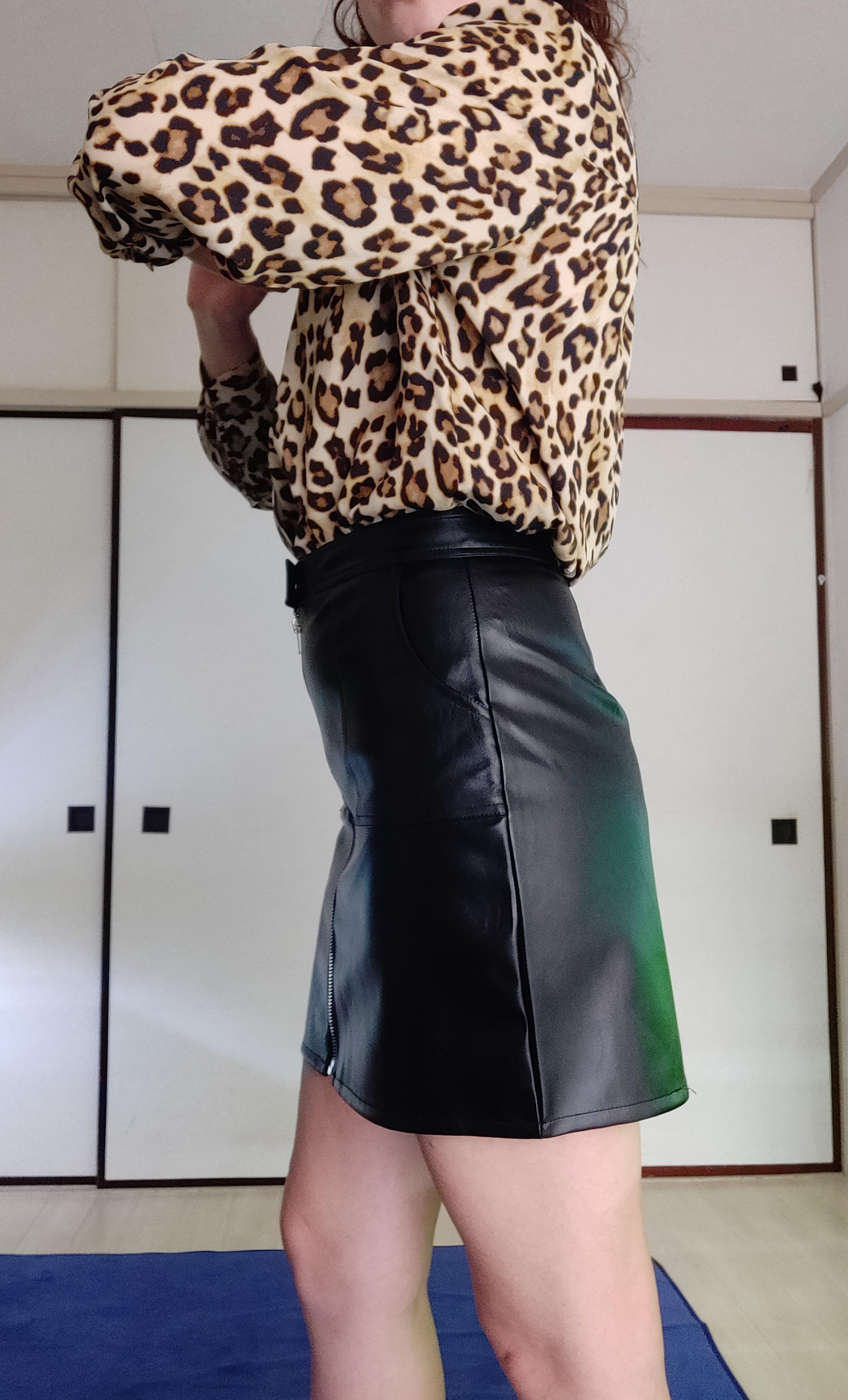 Шикарная юбка из искусственной кожи от N.XINZHE - характеристики