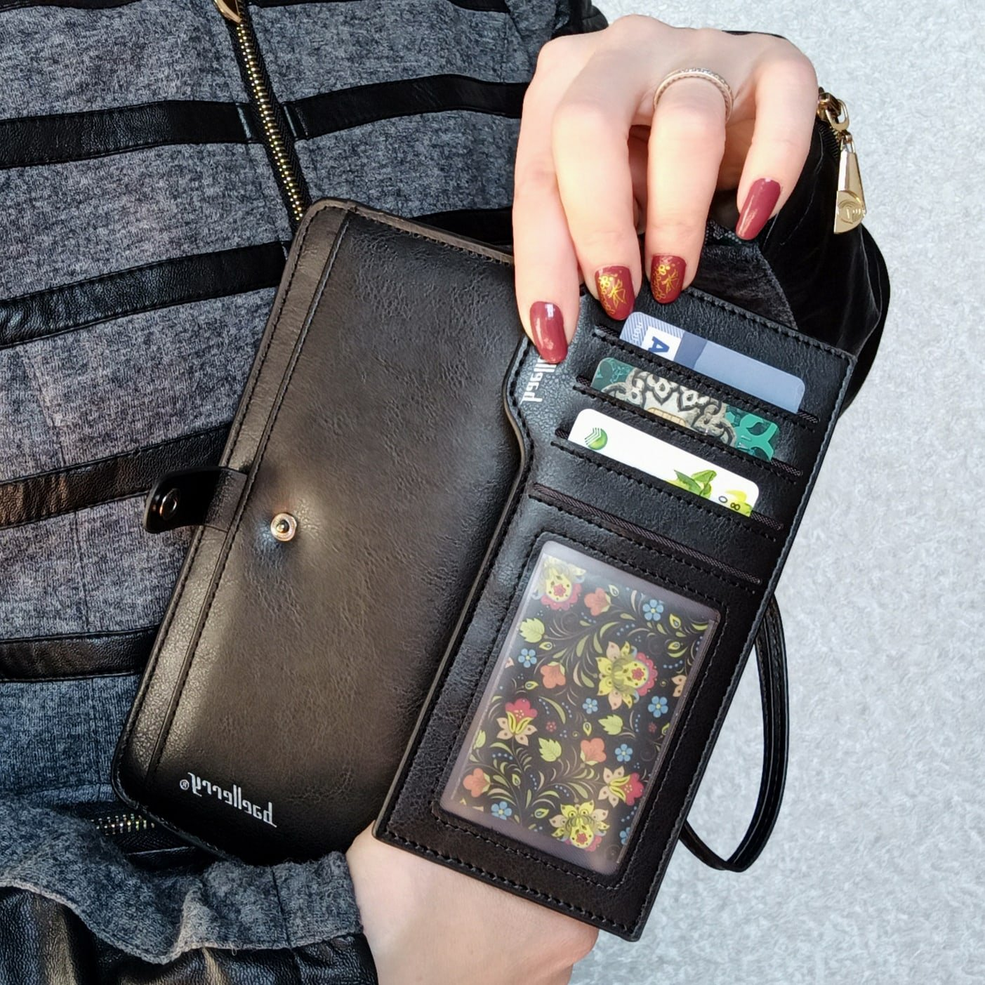Практичный и вместительный кошелёк Baellerry - купить