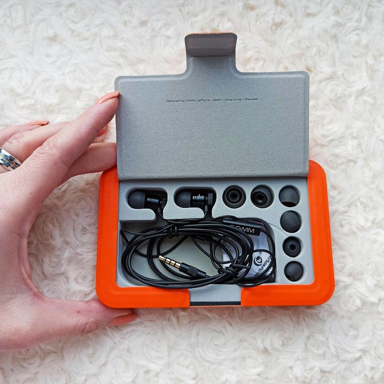 Проводные наушники-вкладыши от GGMM - фото