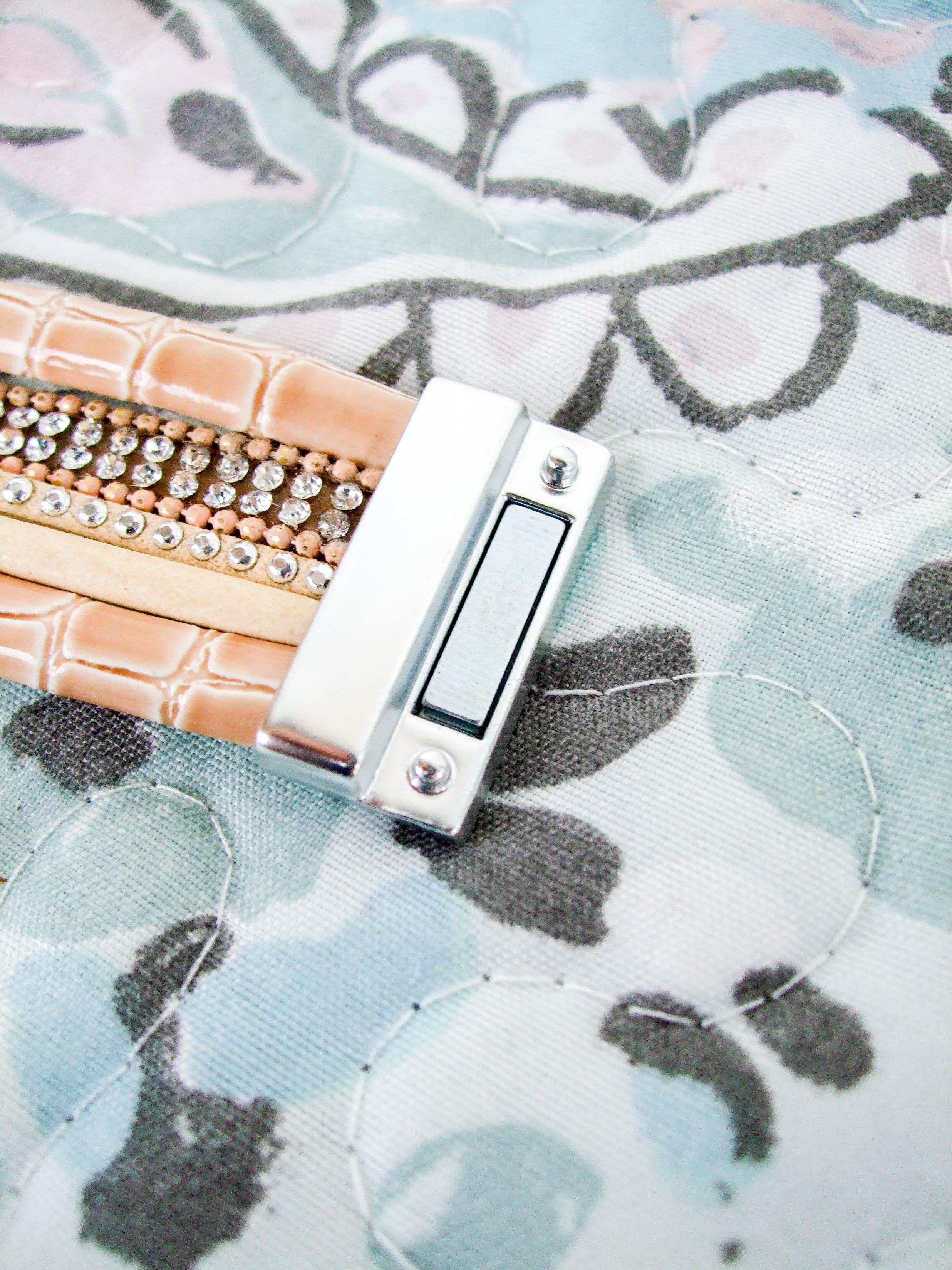 Многослойный браслет на магнитном замке - фото
