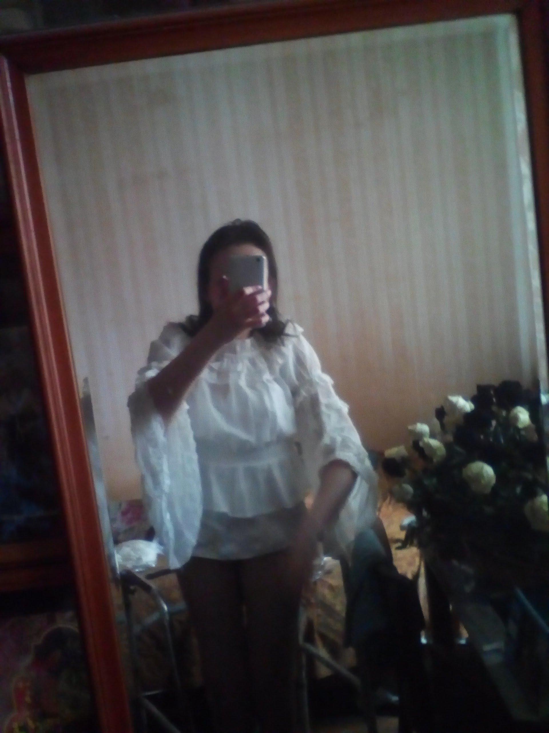 Белая шифоновая блуза с широкими рукавами и кружевом в венецианском стиле от LoliGals Lolita Store. - фото