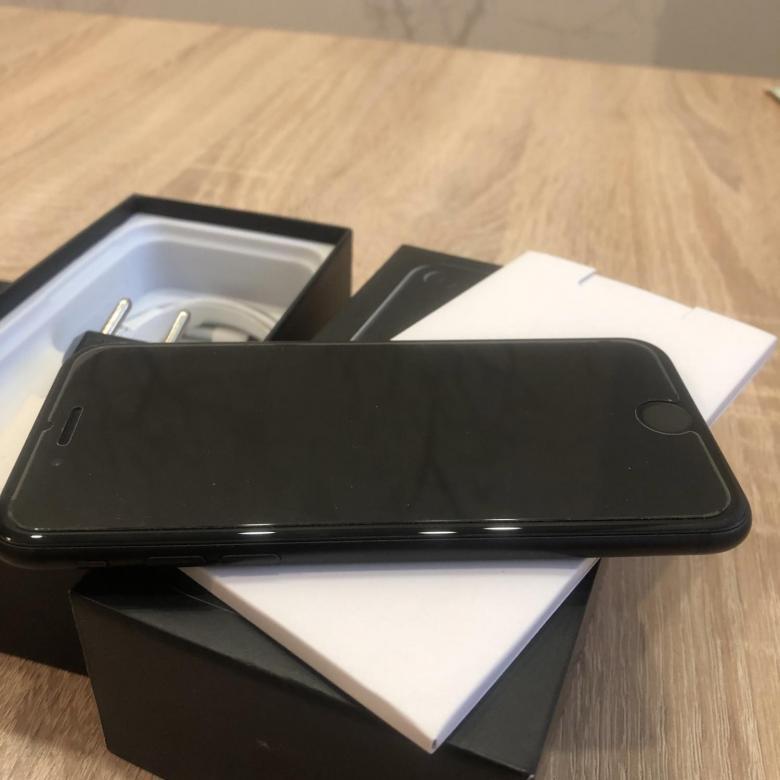 Быстрый, компактный, мощный: Apple iPhone SE 2020 128GB Black - отзывы