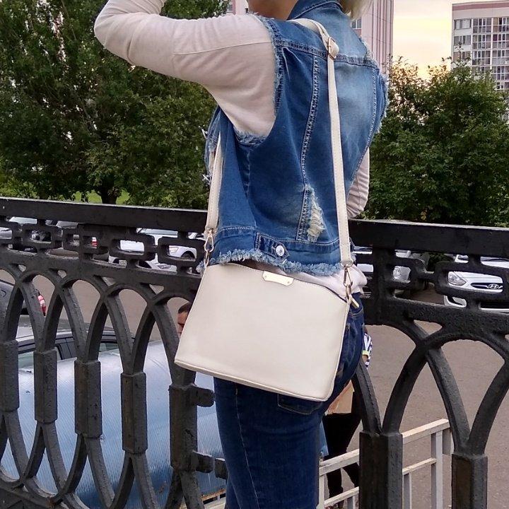 Повседневная классическая сумочка бренда YBYT