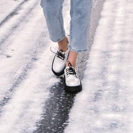 Лакированные черно-белые ботинки с Алиэкспресс