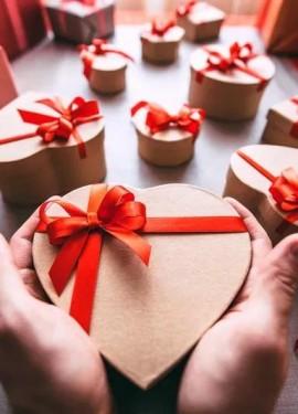 Что подарить девушке на 14 февраля: Идеи подарков на День святого Валентина