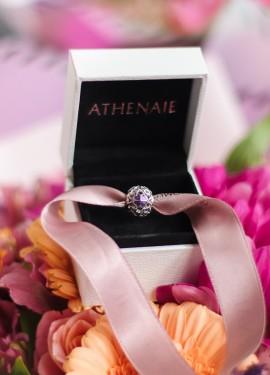 Красивый шарм ATHENAIE