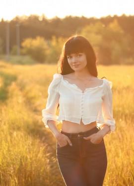 Легкая укороченная блуза EVACANDIS