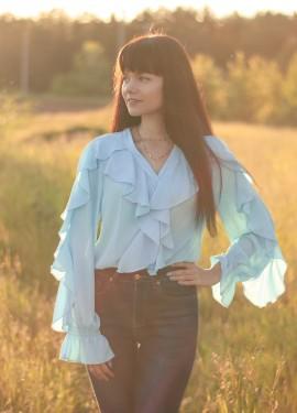 Блуза небесного цвета OOTN