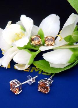 Нежнейшие серьги с драгоценным камнем - султанитом