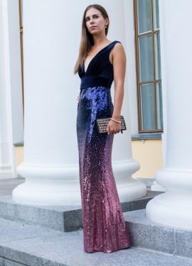 Вечернее яркое платье с пайетками