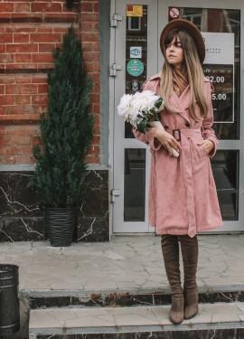 Вельветовый розовый тренч