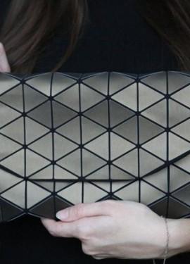 Геометрическая женская сумка-клатч