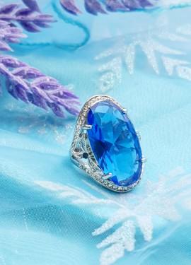 Красивый перстень.