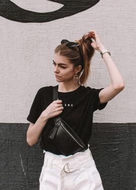 Черная лаконичная футболка с Алиэкспресс
